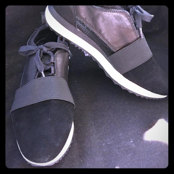 257e26dfa61 Steve Madden Altitude Black Women s Sneakers 7M LN.  M 5a41440545b30c89bc03128e